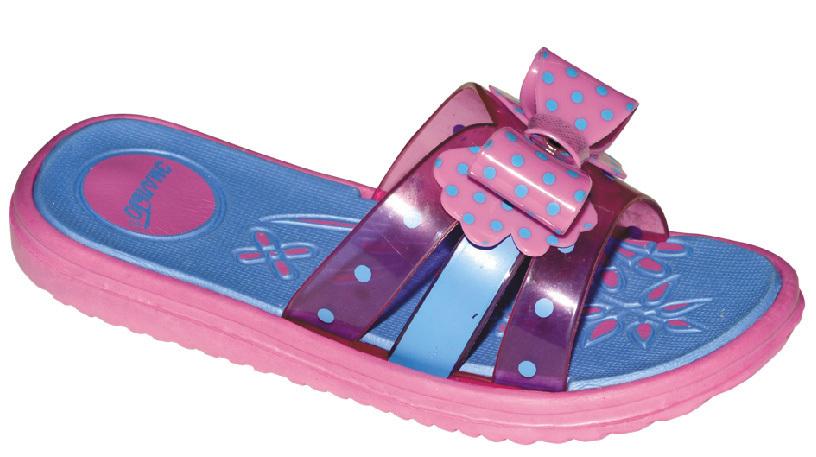 Шлепанцы для девочки Эмальто, цвет: розовый, синий. 6009С-9. Размер 246009С-9Яркие шлепанцы от Эмальто придутся по душе вашей юной моднице. Модель выполнена полностью из легкого ЭВА-материала. Перемычка, состоящая из трех ремешков, по центру декорирована бантиком в горошек. Рельеф на верхней поверхности подошвы предотвращает выскальзывание ноги. Материал ЭВА имеет пористую структуру, обладает великолепными теплоизоляционными и морозостойкими свойствами, придает обуви амортизационные свойства, мягкость при ходьбе, устойчивость к истиранию подошвы. Гибкая подошва дополнена рифлением, которое гарантирует идеальное сцепление с любыми поверхностями. Удобные шлепанцы прекрасно подойдут для похода в бассейн или на пляж.