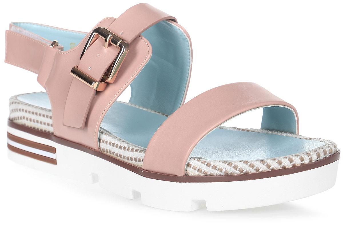Сандалии женские LK Collection, цвет: бежевый. SP-QA1101-3 PU (SP-Q15001-5). Размер 40SP-QA1101-3 PU (SP-Q15001-5)Удобные сандалии на массивной подошве выполнены из искусственной кожи. Стелька выполнена из натуральной кожи. Сандалии фиксируются на ноге при помощи застежки-пряжки.