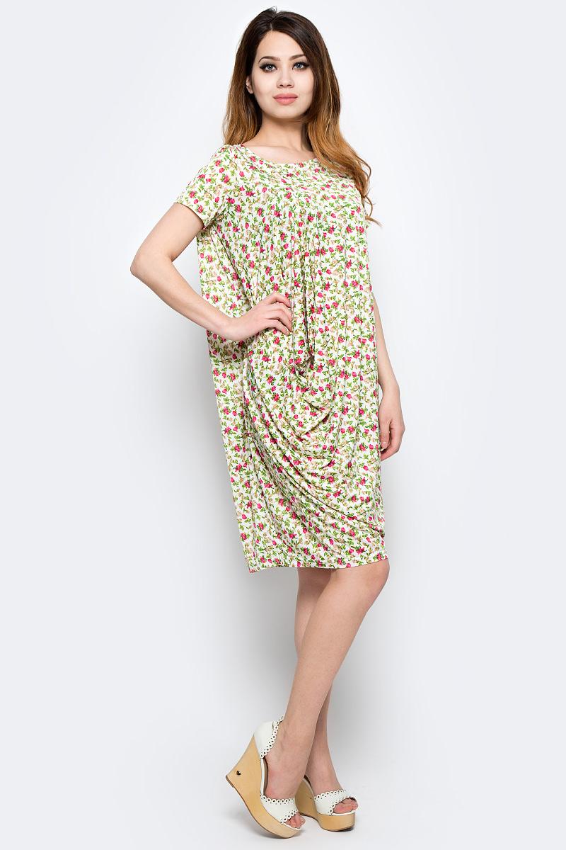 Платье Be in, цвет: слоновая кость, розовый, зеленый. Пл 17-0341. Размер 44/48Пл 17-0341Стильное платье изготовлено из полиэстера с добавлением вискозы. Модель с короткими рукавами и круглым воротником оформлена оригинальным принтом. Платье свободного кроя дополнено крупными сборками.