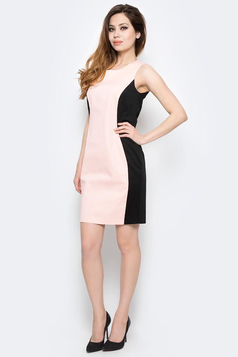 Платье Milton, цвет: бежевый. WD-2416V. Размер 42WD-2416VПлатье полуприлегающего силуэта без рукавов выполнено из трикотажа двух контрастных цветов. Модель застегивается на потайную застежку-молнию.