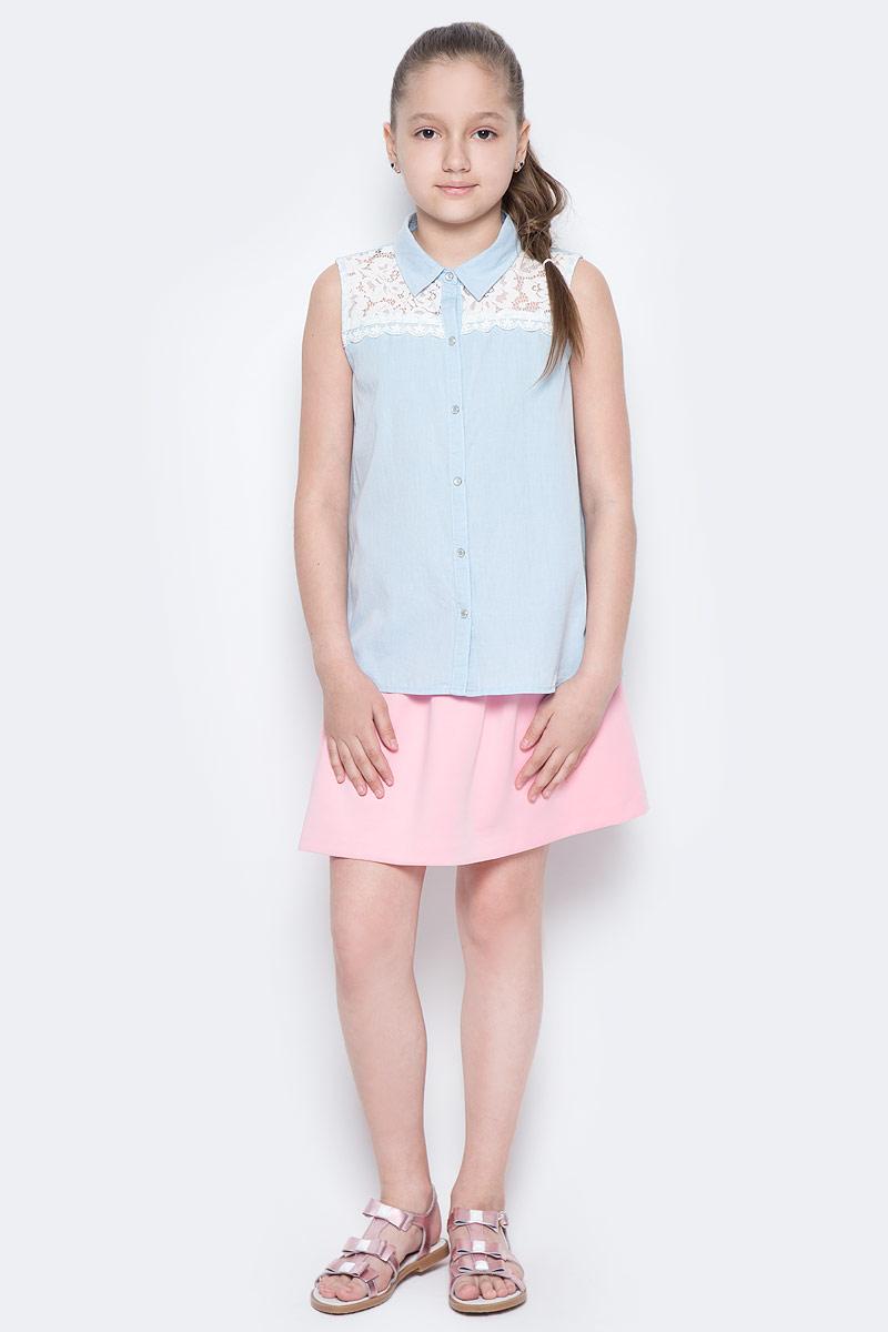 Блузка для девочки Sela, цвет: голубой джинс. Bjsl-632/849-7253. Размер 128, 8 летBjsl-632/849-7253Оригинальная джинсовая блузка без рукавов Sela выполнена из натурального хлопка и оформлена ажурной вставкой на полочке. Модель А-силуэта с разрезами по бокам и отложным воротничком застегивается на пуговицы. Блузка подойдет для прогулок и дружеских встреч и будет отлично сочетаться с джинсами и брюками, и гармонично смотреться с юбками. Мягкая ткань комфортна и приятна на ощупь.
