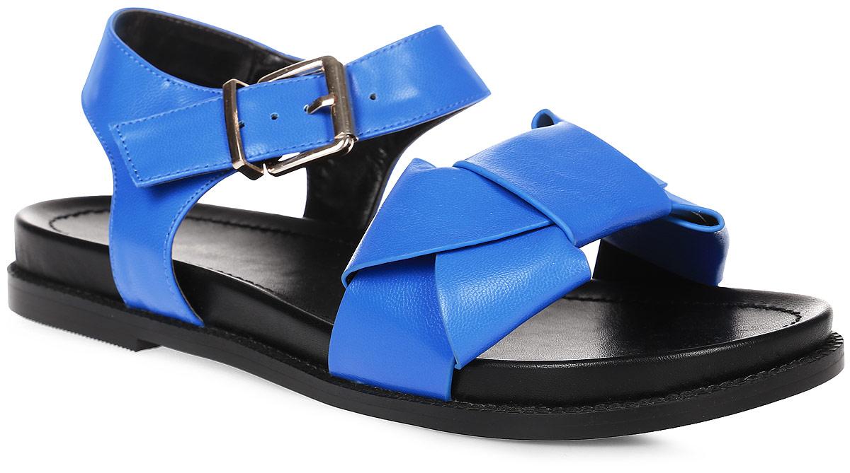 Сандалии женские LK collection, цвет: синий. SP-FA2101-2 PU (SP-F03001-2). Размер 40SP-FA2101-2 PU (SP-F03001-2)Удобные сандалии на плоской подошве выполнены из искусственной кожи. Сандалии фиксируются на ноге при помощи застежки-пряжки.