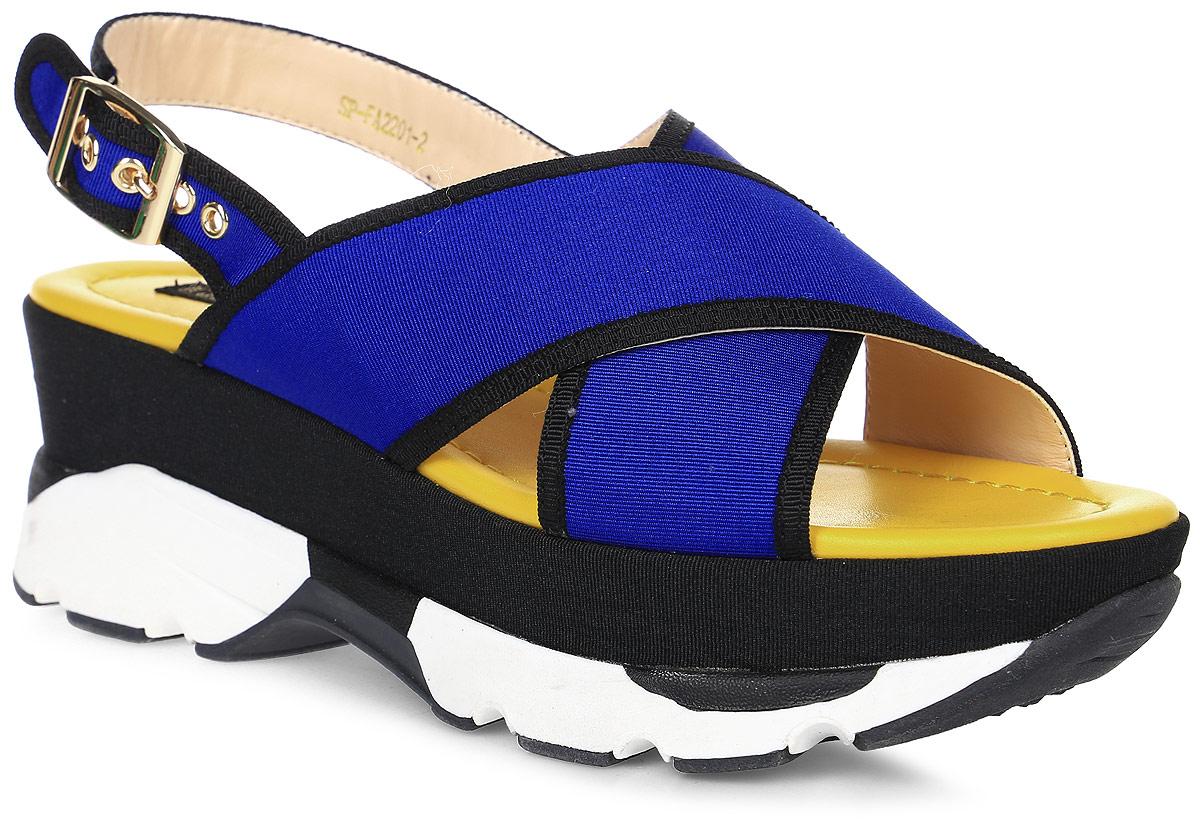 Сандалии женские LK collection, цвет: синий. SP-FA2201-2 PU (SP-F198-5). Размер 36SP-FA2201-2 PU (SP-F198-5)Удобные сандалии на высокой подошве выполнены из текстиля. Сандалии фиксируются на ноге при помощи застежки-пряжки.