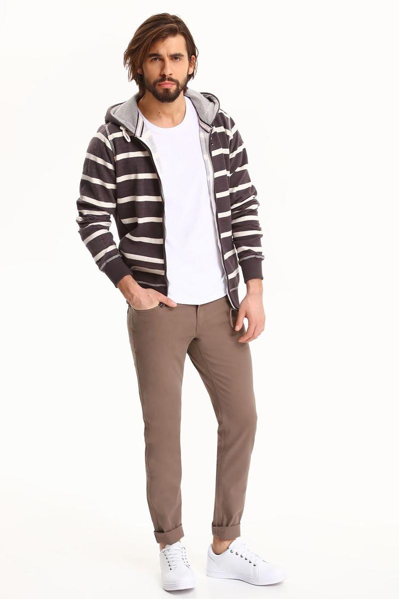 Брюки мужские Top Secret, цвет: коричневый. SSP2538BR. Размер 36-34 (52-34)SSP2538BRСтильные мужские брюки Top Secret - брюки высочайшего качества на каждый день, которые прекрасно сидят. Модель изготовлена из высококачественного хлопка и эластана. Застегиваются брюки на пуговицу в поясе и ширинку на молнии, имеются шлевки для ремня. Эти модные и в тоже время комфортные брюки послужат отличным дополнением к вашему гардеробу. В них вы всегда будете чувствовать себя уютно и комфортно.