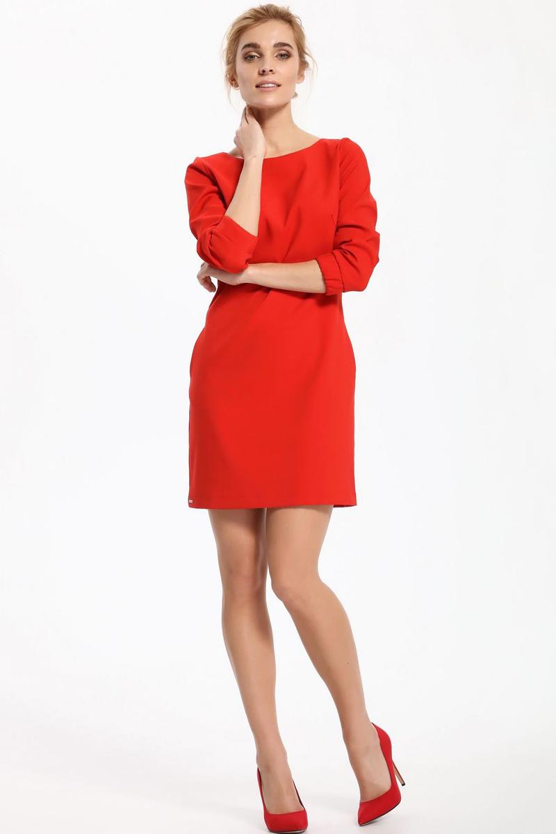 Платье Top Secret, цвет: красный. SSU1850CE. Размер 40 (48)SSU1850CEПлатье Top Secret выполнено из полиэстера. Модель с круглым вырезом горловины сзади застегивается на пуговицы.