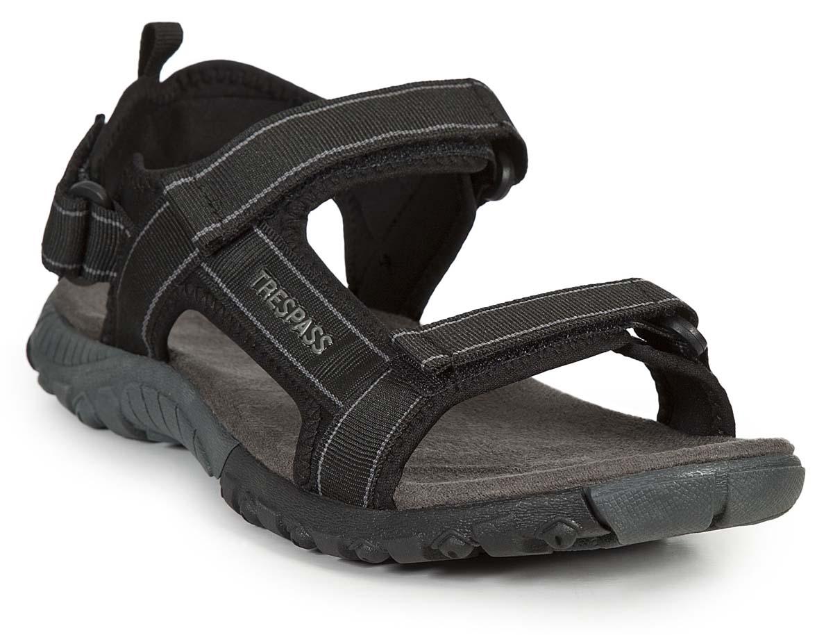 Сандалии мужские Trespass Alderley, цвет: черный. MAFOBEL10008. Размер 40MAFOBEL10008Трекинговые мужские сандалии, выполненные из плотного текстиля, отлично подойдут для занятия туризмом. Ремешки с застежками-липучками надежно зафиксируют модель на ноге. Основание подошвы дополнено рифлением.