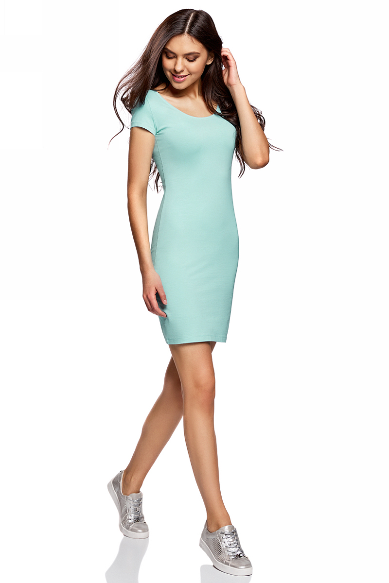 Платье oodji Collection, цвет: бирюзовый. 24001082-2B/47420/7300N. Размер XL (50)24001082-2B/47420/7300NПлатье от oodji облегающего силуэта с глубоким вырезом на спине выполнено из эластичного хлопка. Модель с короткими рукавами.
