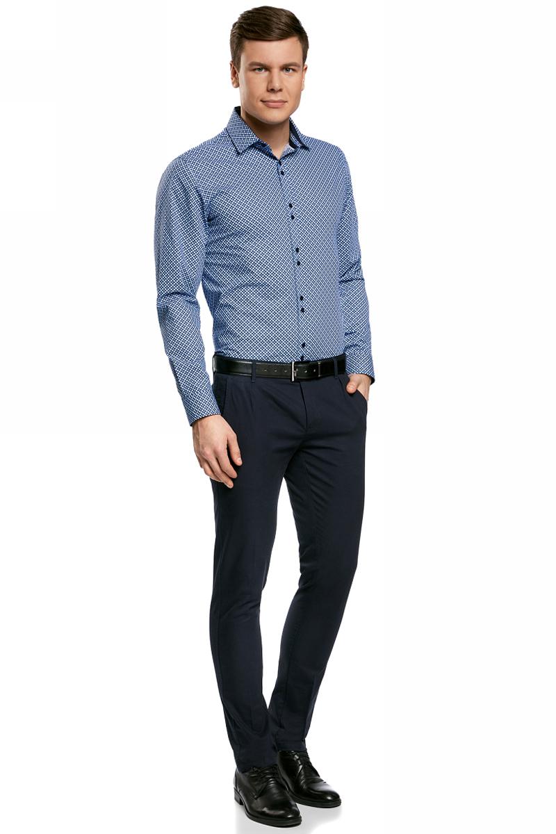 Рубашка мужская oodji Lab, цвет: голубой, темно-синий. 3L110258M/19370N/7079G. Размер 44-182 (56-182)3L110258M/19370N/7079GМужская рубашка от oodji выполнена из натурального хлопка. Модель приталенного кроя с длинными рукавами и двойным воротником застегивается на пуговицы.