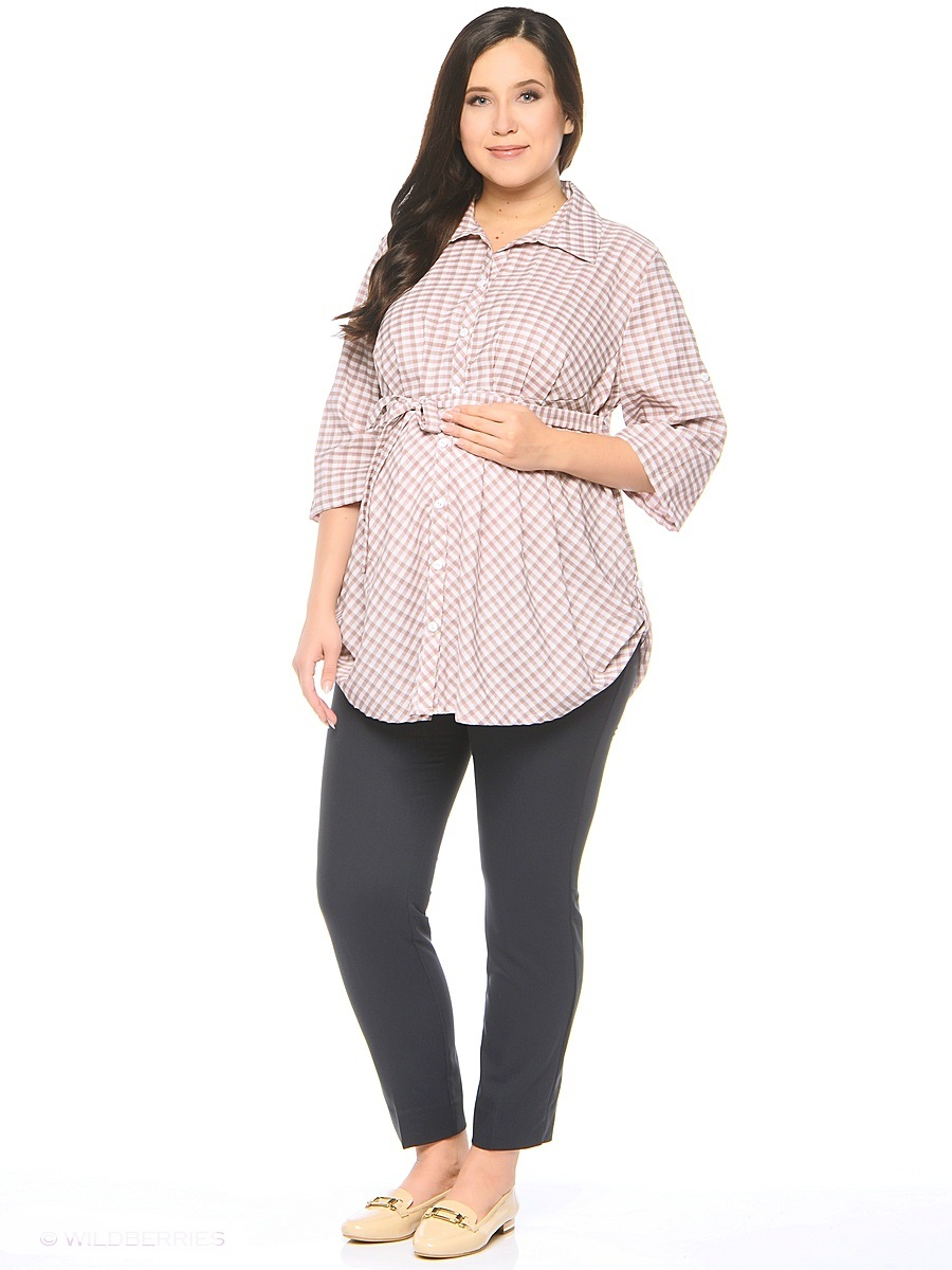 Блузка для беременных 40 недель, цвет: коричневый, розовый. 210225/1. Размер 58210225/1Стильная и очень удобная блузка для беременных от бренда 40 недель выполнена из тонкой, вискозной ткани. Модель свободного кроя, складки от кокетки создают пространство для растущего животика, силуэт можно регулировать поясом. Передняя планка застегивается на пуговицы по всей длине. После беременности такая блузка поможет скрыть временные несовершенства фигуры, обеспечивая комфорт и свободу движениям.