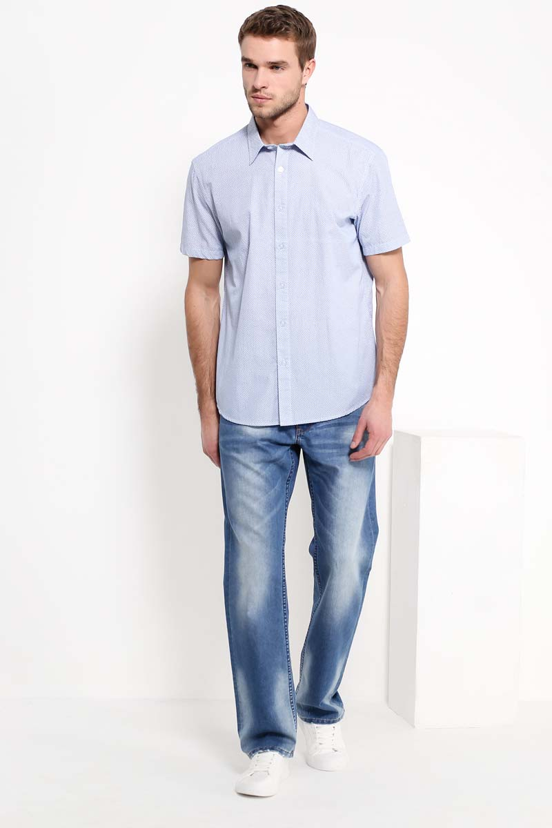 Рубашка мужская Finn Flare, цвет: ярко-синий. S17-42008_111. Размер L (50)S17-42008_111Рубашка с короткими рукавами – must-have в летнем гардеробе любого мужчины. Модель приталенного кроя выполнена в мелкий ненавязчивый принт, выполненный на голубом фоне. Лаконичный дизайн придётся по вкусу тем, кто предпочитает стиль casual. Рубашка выполнена из качественного и прочного хлопка.