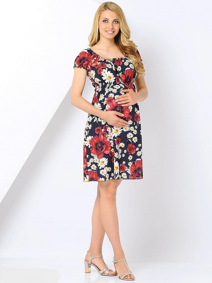 Платье для беременных 40 недель, цвет: темно-синий, красный. 310201. Размер 42310201Платье для беременных от бренда 40 недель - прекрасный вариант на лето для будущей мамы. Изделие выполнено из нежного материала и оформлено цветочным принтом. Модель облегающего силуэта имеет короткий рукав-реглан и округлый вырез, которые собраны на ряд тонких резинок, создающих эффект драпировки. Линия талии завышена и дополнена эластичным поясом, что позволяет носить платье в любой период беременности и после нее. Свободный крой, струящаяся ткань, яркий принт, создают ощущение легкости и комфорта. В этом платье вы всегда будете выглядеть неотразимо и привлекательно.