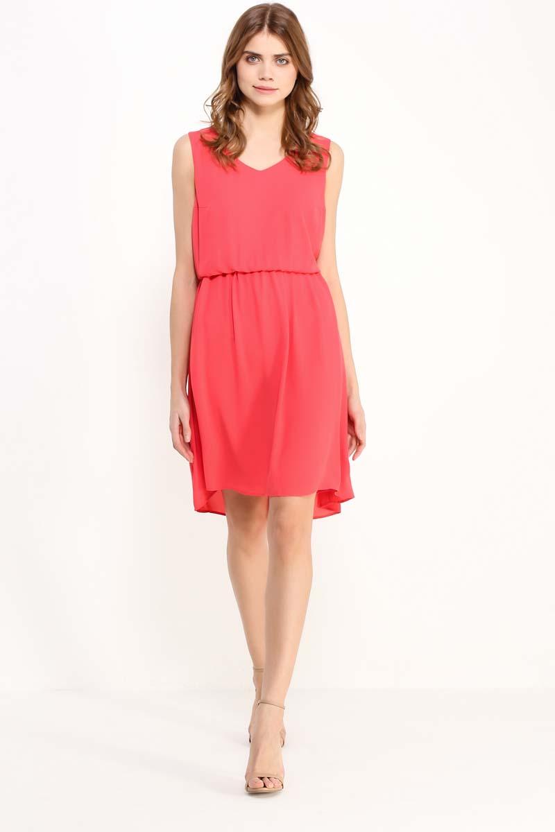 Платье женское Finn Flare, цвет: розовый. S17-32030_334. Размер XL (50)S17-32030_334Воздушная модель без рукавов и с симпатичным V-образным вырезом. На талии имеется утяжка, благодаря которой создается более привлекательный силуэт. Сочный цвет как никакой другой освежит ваш летний гардероб. Выполнено платье из полиэстера, имеется подкладка.