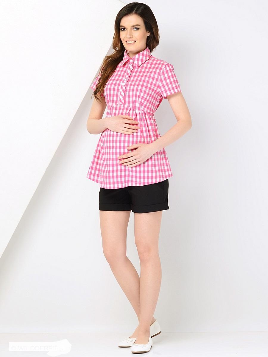 Блузка для беременных 40 недель, цвет: розовый. 212257. Размер 44212257Модная блузка-рубашка в клетку для беременных от бренда 40 недель изготовлена из приятного к телу хлопкового материала. Модель с короткими рукавами и классическим отложным воротником. Свободный крой с легкими складочками от кокетки создает простор для растущего животика во время беременности. К тому же такой фасон скроет временные несовершенства фигуры после рождения малыша, втачным поясом можно регулировать силуэт. Кокетка с планкой на пуговицах предусмотрена для быстрой подготовки и комфортного кормления грудью. В такой блузке всегда легко и комфортно, а образ выглядит женственно и безупречно.
