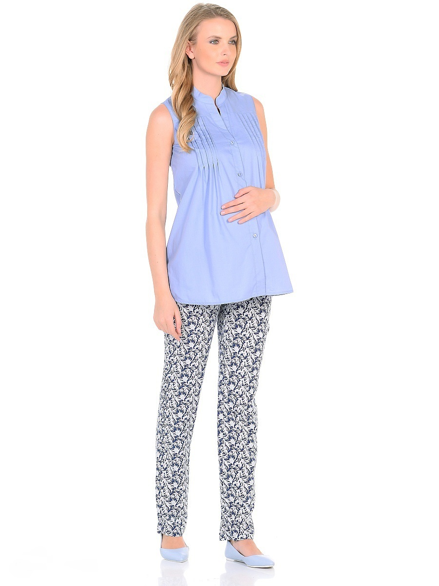 Блузка для беременных 40 недель, цвет: голубой. 215207. Размер 42215207Стильная блузка для беременных от бренда 40 недель изготовлена из тонкого, приятного к телу материала с высоким содержанием хлопка. Модель трапециевидного силуэта, без рукавов, с воротником-стойкой. Передняя планка застегивается на пуговицы. На полочках для декора предусмотрен ряд вертикальных защипов от высокой кокетки. Универсальный фасон обеспечивает комфорт в период беременности, а после рождения малыша - скрывает временные несовершенства фигуры. Планка на пуговицах удобна в момент грудного кормления. Блузка отлично смотрится с джинсами, разнообразными брюками, шортами и юбками.