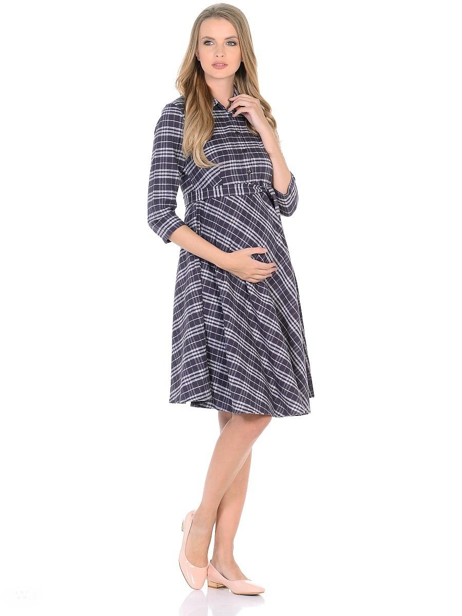Платье для беременных 40 недель, цвет: темно-фиолетовый. 300320. Размер 46300320Стильное повседневное платье для беременных и кормящих женщин изготовлено из мягкого хлопкового текстиля с добавлением полиэстера и вискозы. Модель рубашечного фасона, с рукавами длиной 3/4, расклешенной юбкой и отложным воротником. Короткая передняя планка застегивается на пуговицы. Завышенная линия талии дополнена втачным поясом. Платье в модную клетку стильно смотрится и отлично садится по фигуре. Застежка на пуговицы на груди обеспечит удобство при кормлении малыша.