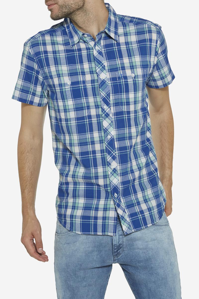 Рубашка мужская Wrangler, цвет: синий, белый. W59431K05. Размер L (50)W59431K05Мужская рубашка Wrangler изготовлена из натурального хлопка. Модель с короткими рукавами имеет на груди два кармана с застежками-пуговицами. Рубашка застегивается спереди на пуговицы. Оформлена модель стильным принтом в клетку.