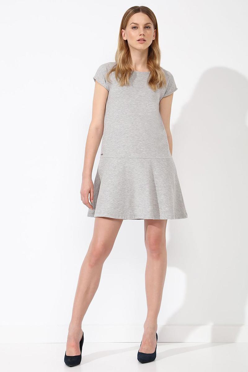 Платье Top Secret, цвет: серый. STU0132SZ. Размер 42 (50)STU0132SZПлатье Top Secret выполнено из хлопка и полиэстера. Модель с круглым вырезом горловины и короткими рукавами.