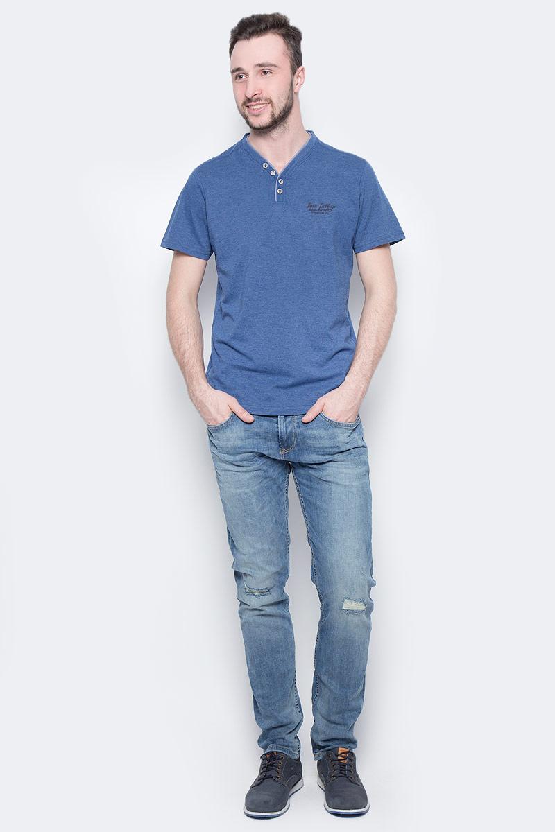 Футболка мужская Tom Tailor, цвет: темно-синий. 1037717.00.10_6621. Размер S (46)1037717.00.10_6621Мужская футболка Tom Tailor выполнена из хлопка. Модель с V-образным вырезом горловины и короткими стандартными рукавами. Спереди застегивается на пуговицы и оформлена принтом в виде надписи.
