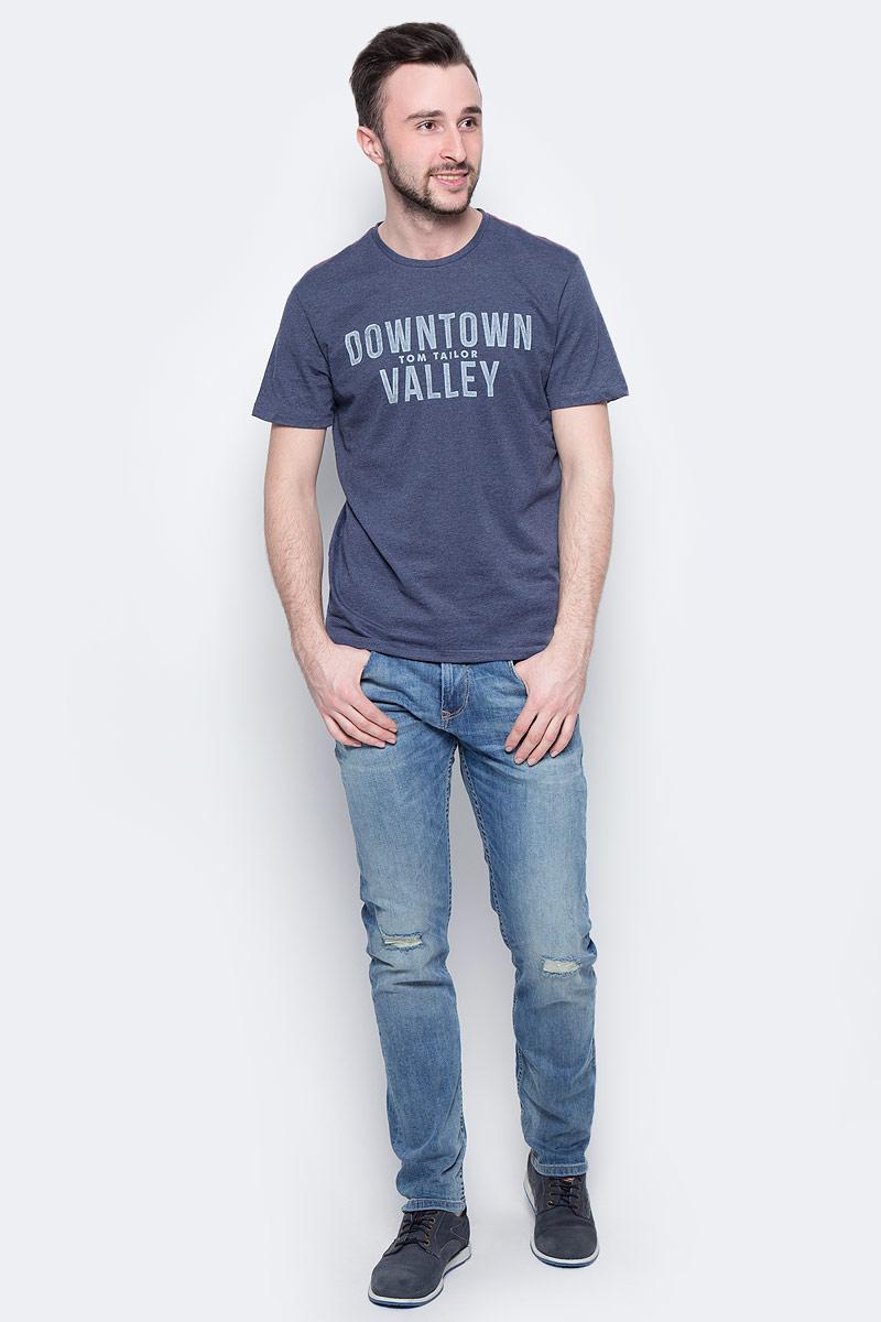 Футболка мужская Tom Tailor, цвет: синий меланж. 1037493.00.10_6740. Размер L (50)1037493.00.10_6740Мужская футболка Tom Tailor выполнена из хлопка с добавлением полиэстера. Модель с круглым вырезом горловины и короткими рукавами оформлена крупной принтовой надписью.Такая футболка станет стильным дополнением к вашему гардеробу, она подарит вам комфорт в течение всего дня!