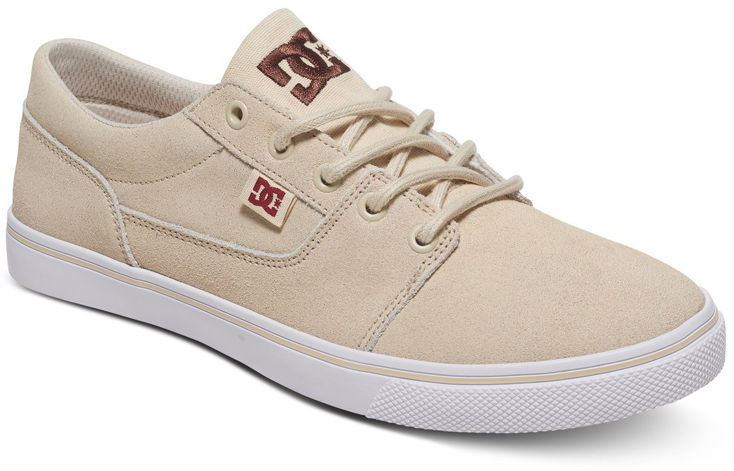 Кеды женские DC Shoes Tonik, цвет: бежевый. ADJS300075-CRE. Размер 6,5B (37,5)ADJS300075-CREКеды от DC Shoes выполнены из текстиля. Язычок оформлен фирменной нашивкой. На ноге модель фиксируется с помощью шнурков. Внутренняя поверхность выполнена из текстиля. Подошва изготовлена из высококачественной резины и дополнена протектором, который гарантирует отличное сцепление с любой поверхностью.