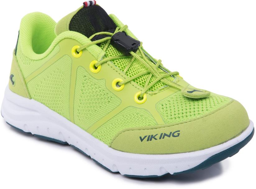 Кроссовки детские Viking Ullevaal, цвет: салатовый. 3-47660-08864. Размер 383-47660-08864Кроссовки от Viking, выполненные из полиэстера, оформлены эмблемой и названием бренда. Модель на подъеме дополнена шнуровкой со стоппером, которая обеспечивает надежную фиксацию обуви на ноге. Подкладка и стелька из полиэстера создают комфорт при носке. Облегченная подошва из ЭВА оснащена рифлением, что повышает сцепление с любым покрытием, улучшает амортизацию и поглощает удары. Яркие модные кроссовки - незаменимая вещь в гардеробе вашего ребенка.