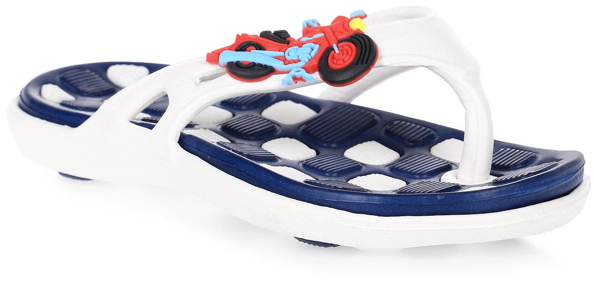 Сланцы для мальчика Step Forward, цвет: белый, синий. Т-49В. Размер 28Т-49ВЛегкие и удобные сланцы Step Forward придутся по душе вашему мальчику. Модель выполнена из ЭВА и оформлена на ремешке объемным декоративным элементом. Удобные ремешки гарантируют надежную фиксацию изделия на ноге. Рельефное основание подошвы обеспечивает уверенное сцепление с любой поверхностью. Стильные сланцы прекрасно подойдут для похода в бассейн или на пляж.