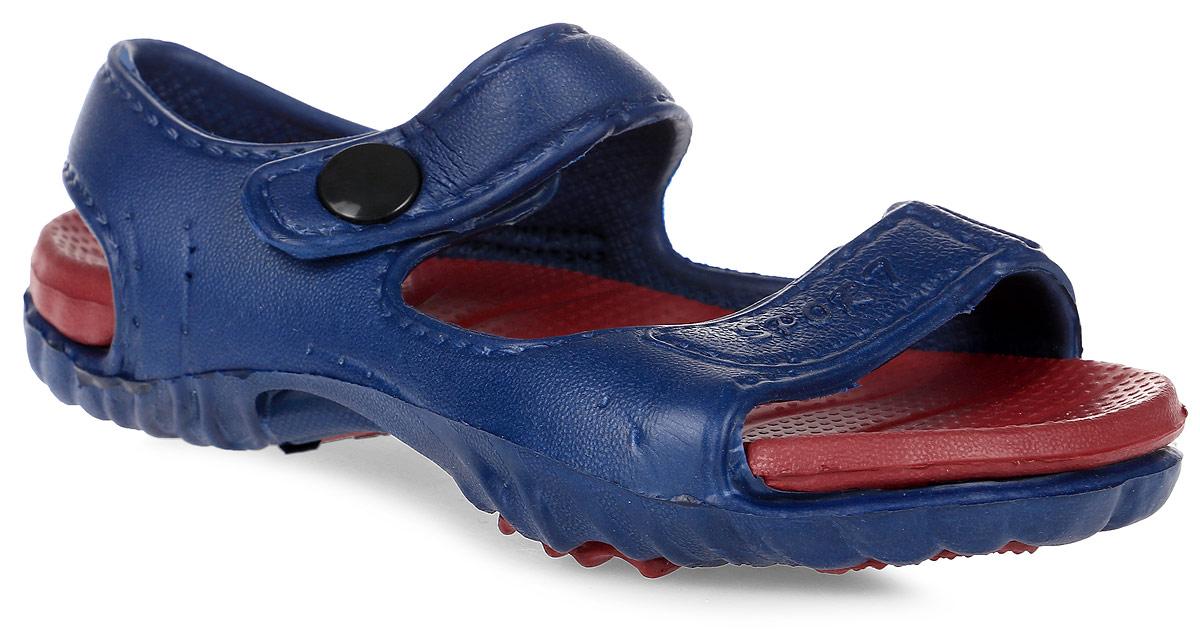 Сандалии для мальчика Step Forward, цвет: синий, красный. Т-16В. Размер 26Т-16ВРезиновые сандалии Step Forward не оставят равнодушным вашего мальчика! Модель изготовлена из износостойкого материала EVA. Специальная рельефная подошва препятствует скольжению, что делает передвижение по бассейну более безопасным. Сандалии прекрасно подойдут для повседневного использования в бассейне, дома или на отдыхе.