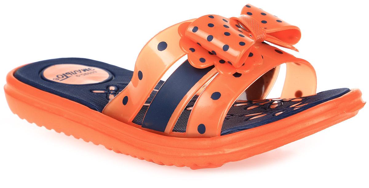 Шлепанцы для девочки Эмальто, цвет: оранжевый, черный. 6009В-9. Размер 326009В-9Яркие шлепанцы от Эмальто придутся по душе вашей юной моднице. Модель выполнена полностью из легкого ЭВА-материала. Перемычка, состоящая из трех ремешков, по центру декорирована бантиком в горошек. Рельеф на верхней поверхности подошвы предотвращает выскальзывание ноги. Материал ЭВА имеет пористую структуру, обладает великолепными теплоизоляционными и морозостойкими свойствами, придает обуви амортизационные свойства, мягкость при ходьбе, устойчивость к истиранию подошвы. Гибкая подошва дополнена рифлением, которое гарантирует идеальное сцепление с любыми поверхностями. Удобные шлепанцы прекрасно подойдут для похода в бассейн или на пляж.