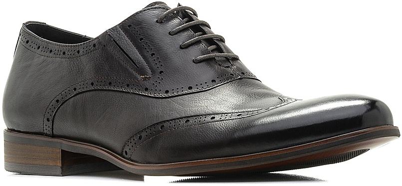 Броги мужские El Tempo, цвет: темно-коричневый. CRS56_89-55-745. Размер 43CRS56_89-55-745_D BROWNТрендовые мужские броги от El Tempo придутся вам по душе. Модель изготовлена из высококачественной натуральной кожи и декорирована перфорацией. Шнуровка позволяет прочно зафиксировать обувь на ноге. Резинки, расположенные сбоку, гарантируют оптимальную посадку изделия. Подкладка и стелька из натуральной кожи позволяют ногам дышать. Умеренной высоты каблук и подошва с рифлением обеспечивают отличное сцепление с поверхностью.Стильные броги - необходимая вещь в гардеробе каждого мужчины.