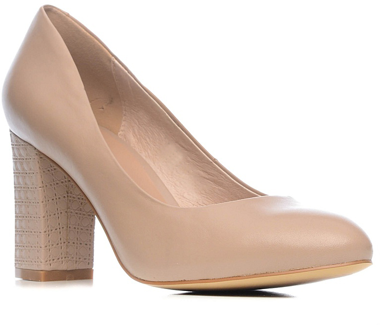 Туфли женские Palazzo Doro, цвет: бежевый. S7E24-01-02. Размер 40S7E24-01-02Модные женские туфли от Palazzo Doro покорят вас с первого взгляда.Модель с округлым мысом выполнена из натуральной кожи. Стелька из натуральной кожи обеспечивает комфорт при ходьбе. Умеренной высоты толстый каблук обеспечит комфорт при ходьбе. Подошва и каблук дополнены противоскользящим рифлением.Стильные туфли подчеркнут вашу яркую индивидуальность, позволят выделиться среди окружающих.