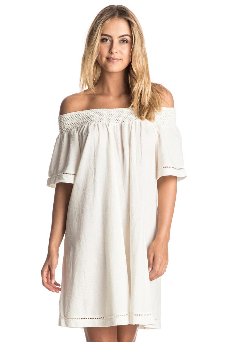 Платье Roxy Moonlight Shadow, цвет: белый. ERJKD03095-WBT0. Размер 46 (L)ERJKD03095-WBT0Платье-футболка Roxy Moonlight Shadow изготовлено из натурального хлопка. Модель имеет эластичный вырез горловины Анжелика. Платье оформлено ажурной отделкой по краям.