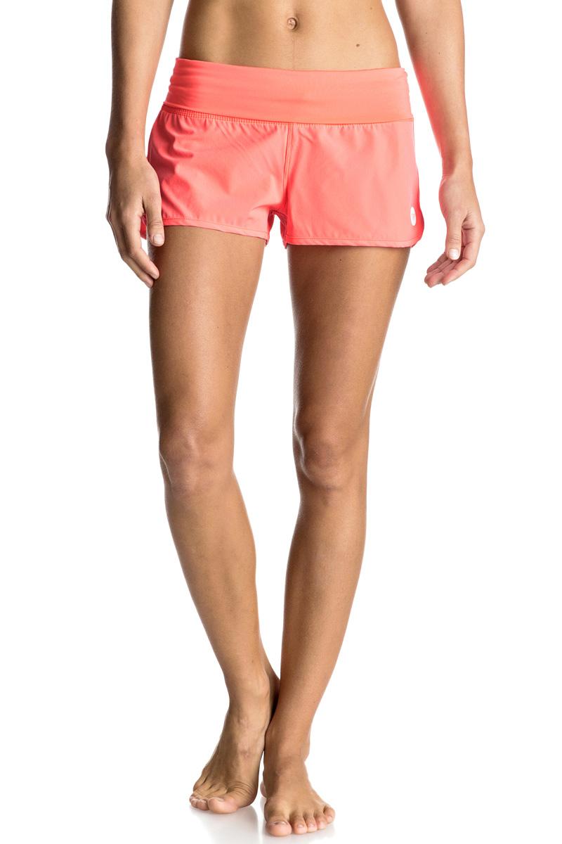 Шорты пляжные женские Roxy Endless Summer, цвет: коралловый. ERJBS03078-NKN0. Размер 40 (XS)ERJBS03078-NKN0Женские пляжные шорты Roxy Endless Summer выполнены из эластичного полиэстера. Спереди имеется сетчатая вставка. Сзади шорты дополнены прорезным карманом. Оформлена модель переводным логотипом. Оригинальные шорты подчеркнут ваш стиль.