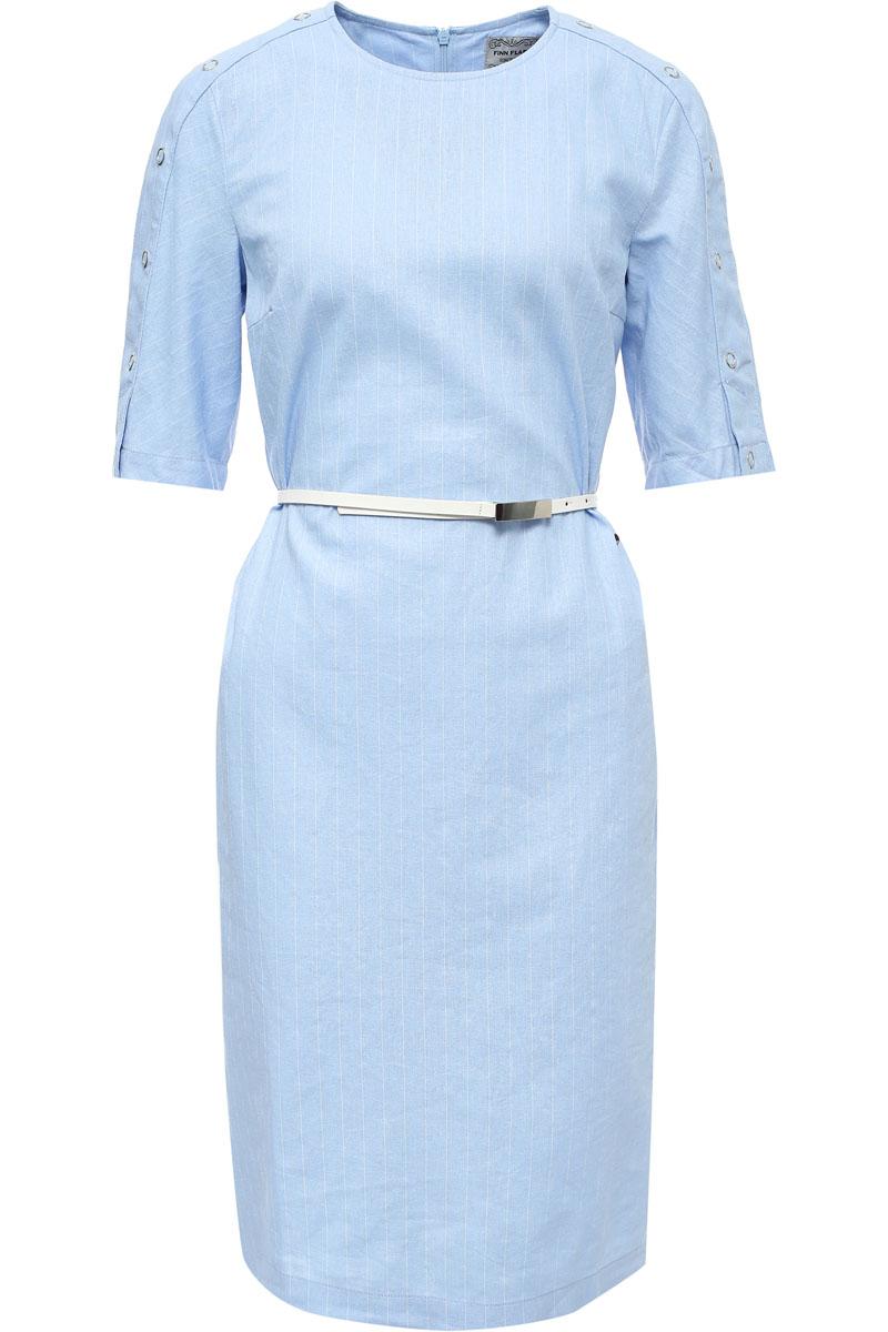 Платье женское Finn Flare, цвет: голубой. S17-14001_138. Размер L (48)S17-14001_138Стильное платье приталенного кроя станет отличным весенне-летним приобретением. Модель с коротким рукавом комфортна в носке. Рукава украшены пуговицами. Грамотное сочетание льна и вискозы позволит платью не мяться и сохранять первоначальную форму.