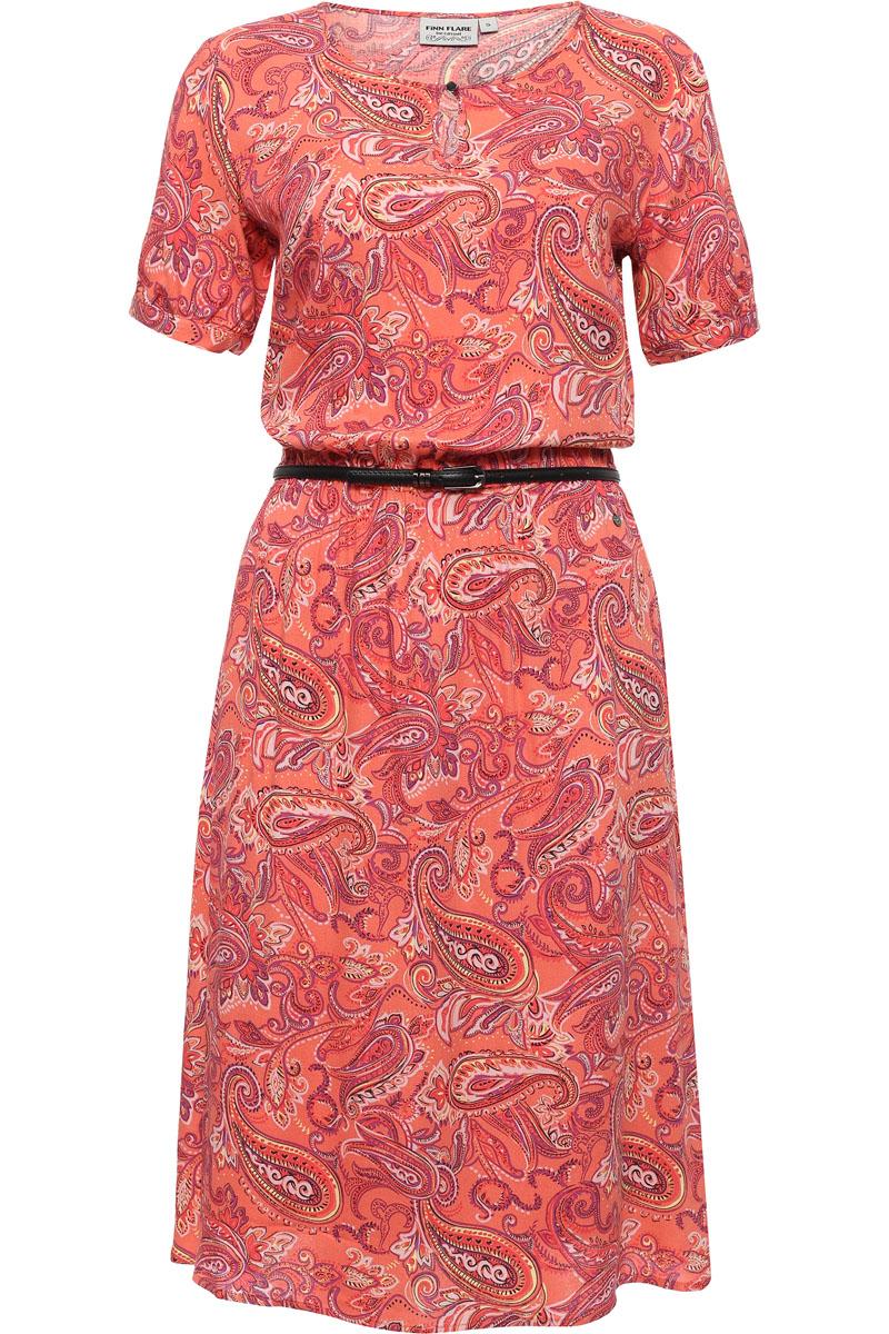 Платье женское Finn Flare, цвет: розовый. S17-12019_306. Размер L (48)S17-12019_306Принт пейсли всё ещё популярен и любим миллионами женщин по всему миру, и этому есть обычное объяснение: рисунок лучше любого другого придаёт любой одежде красочность и нарядность. Это платье выполнено в пастельных тонах, и привычный нам турецкий огурец выглядит необычайно нежным и женственным. Модель можно опоясать кожаным ремешком, грудь украшена вырезом-капелькой. Выполнено это воздушное платье из вискозы, имеется подкладка.