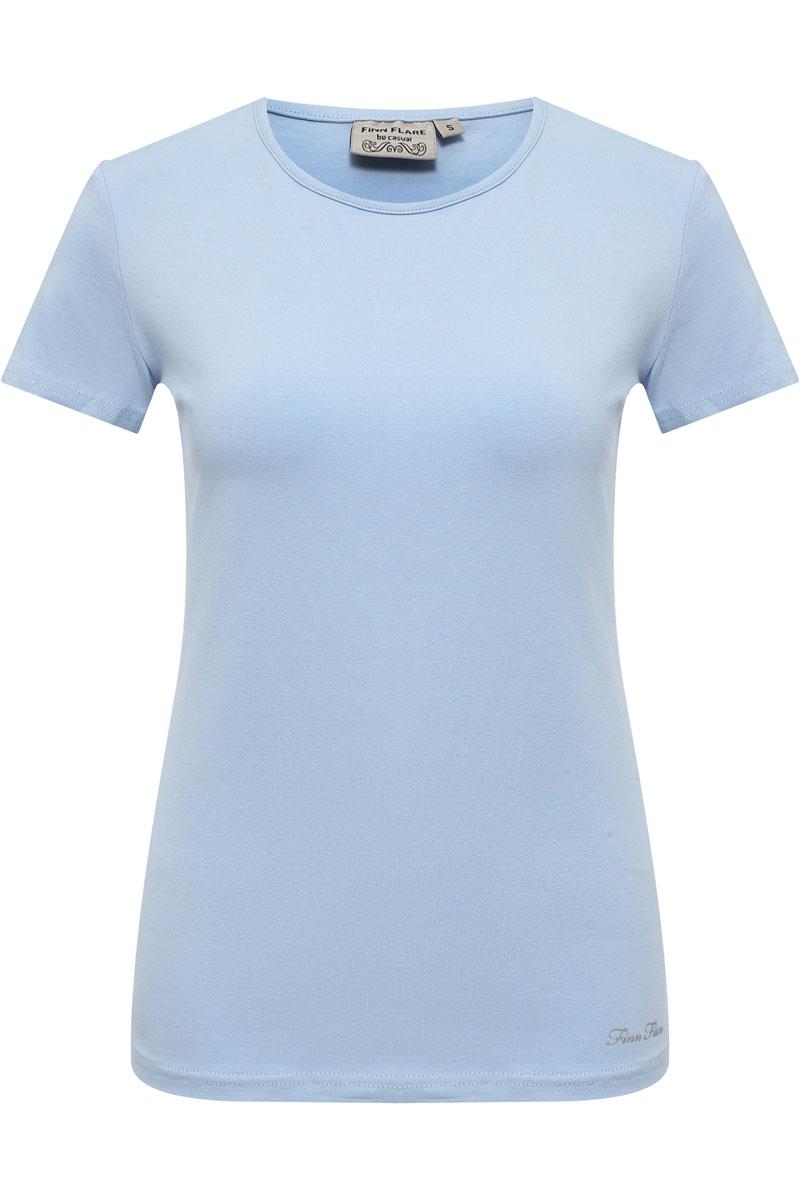 Футболка женская Finn Flare, цвет: голубой. S17-11093_138. Размер M (46)S17-11093_138Представленная футболка Finn Flare хорошо дополнит ваш стиль вещей и покажет вас в хорошем свете. Комфортная футболка Finn Flare станет прекрасным решением для любой коллекции. Модель выполнена из хлопка с добавлением эластана.