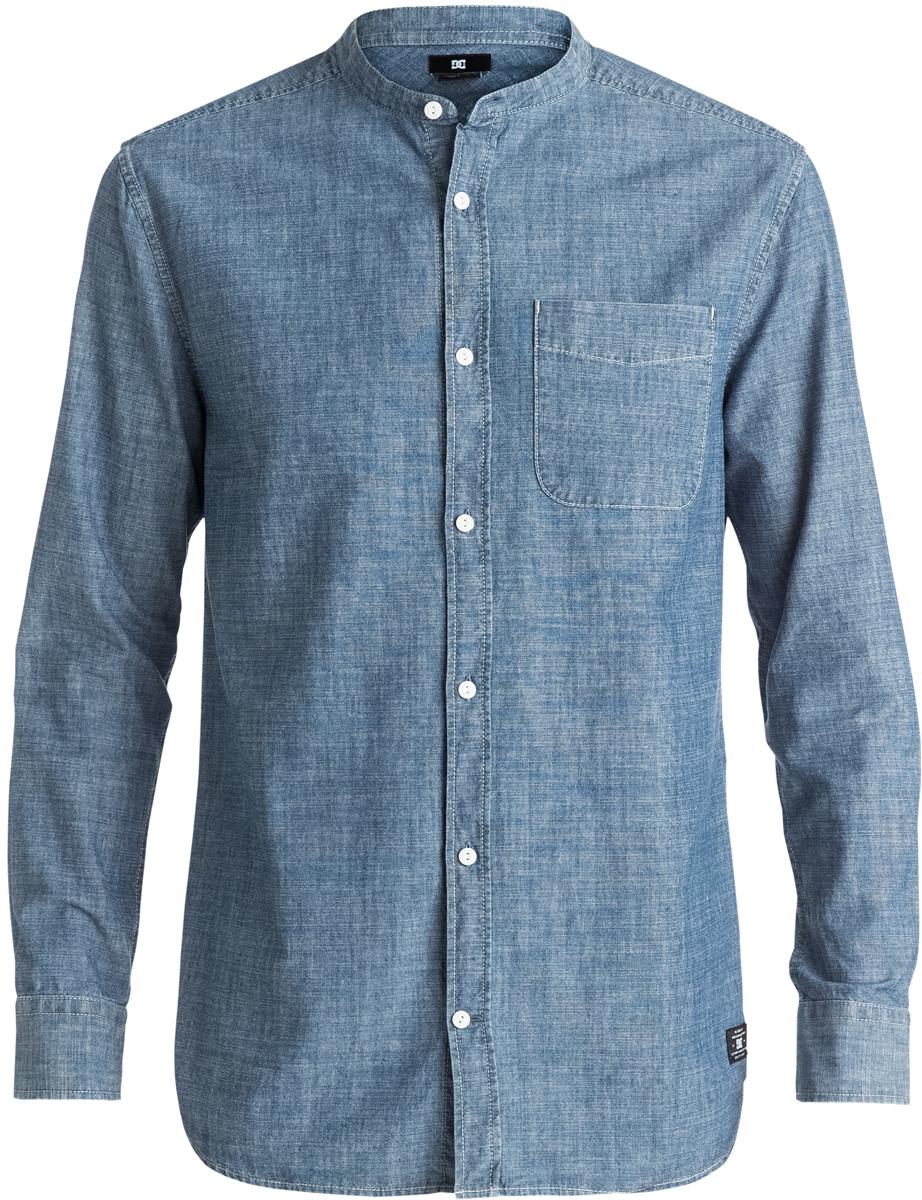 Рубашка мужская DC Shoes, цвет: синий. EDYWT03131-KTW0. Размер XL (54)EDYWT03131-KTW0Рубашка мужская DC Shoes сшита из ткани шамбре (100% хлопок), застегивается на пуговицы. Модель без воротника имеет удлиненный крой и длинные рукава с манжетами на пуговицах. На груди расположен открытый накладной карман.