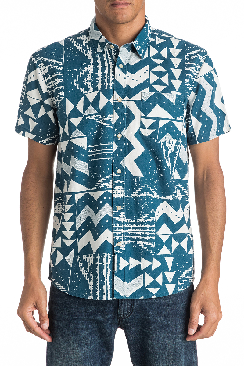 Рубашка мужская Quiksilver, цвет: голубой. EQYWT03448-BSG6. Размер L (52)EQYWT03448-BSG6Мужская рубашка Quiksilver с коротким рукавом, выполнена из натурального хлопка. Изделие прямого кроя с закругленным низом, имеется нагрудный накладной карман. Модель оформлена оригинальным принтом.