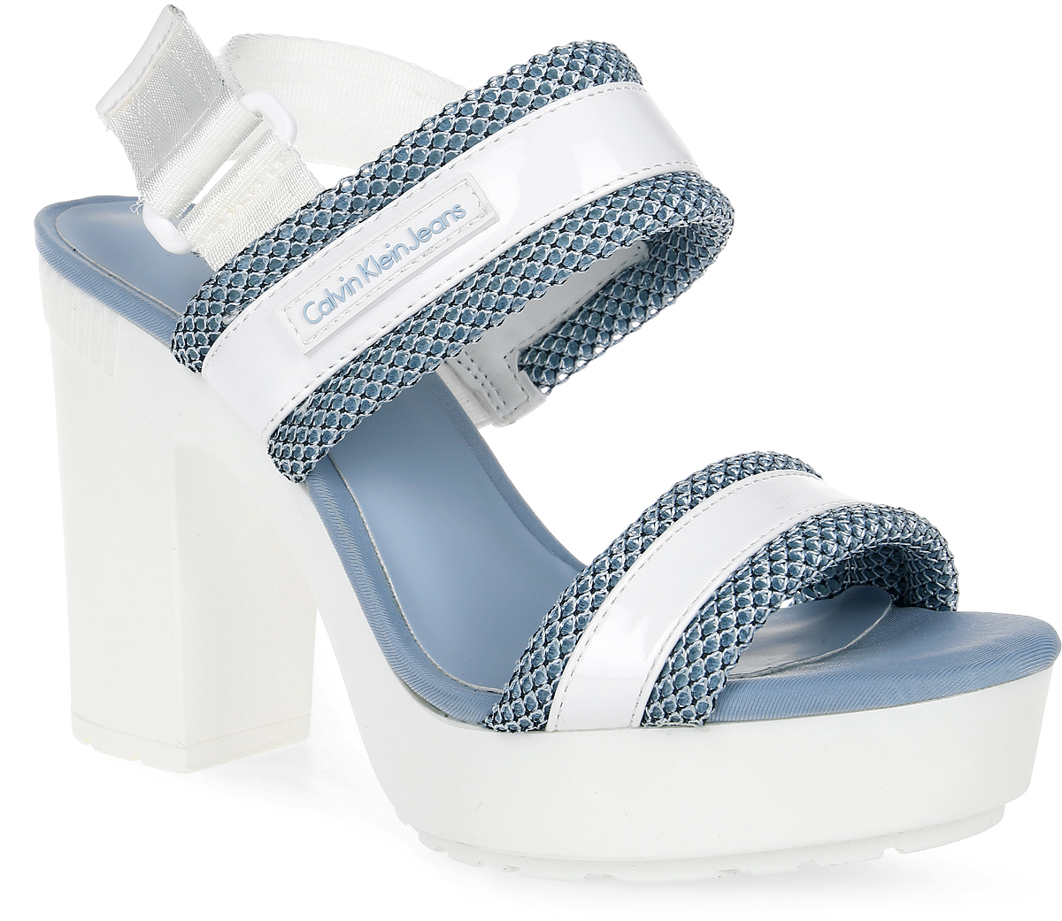 Босоножки женские Calvin Klein Jeans, цвет: белый. R4071_WCB. Размер 37R4071_WCBСтильные босоножки от Calvin Klein Jeans - незаменимая вещь в гардеробе каждой женщины. Модель выполнена из текстиля и искусственной кожи в оригинальном дизайне. Перемычки на подъеме прочно зафиксируют модель на вашей ноге, а ремешок с застежкой-липучкой позволит отрегулировать объем. Высокий каблук и подошва с платформой обеспечат устойчивость. Подошва с рифлением обеспечивает отличное сцепление с поверхностью. Модные босоножки станут прекрасным завершением вашего летнего образа.