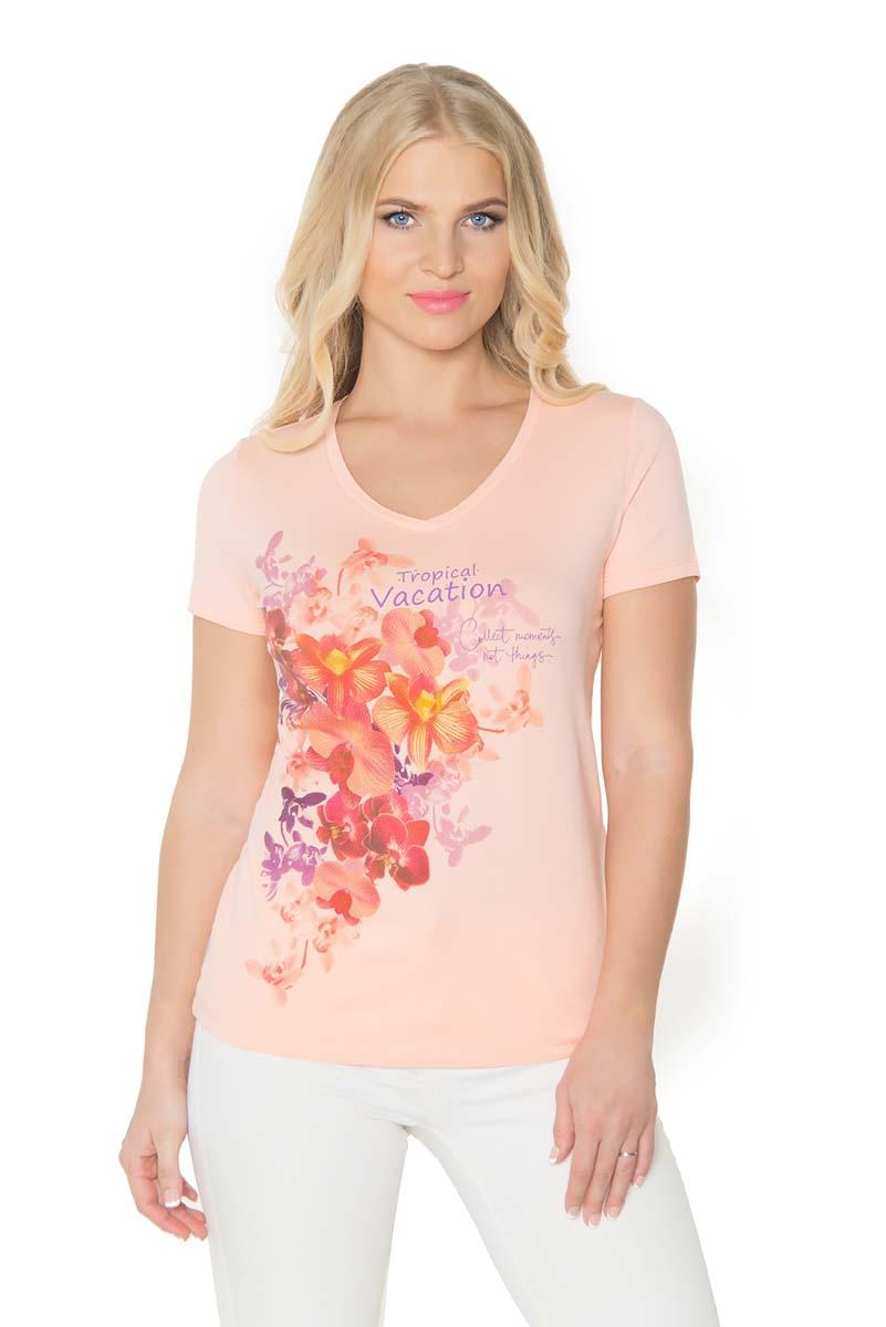 Футболка женская BeGood, цвет: разноцветный. SS17-BGUZ-985. Размер 46SS17-BGUZ-985Женская футболка BeGood изготовлена из качественной смесовой ткани. У модели женственная горловина и оригинальный принт на груди.