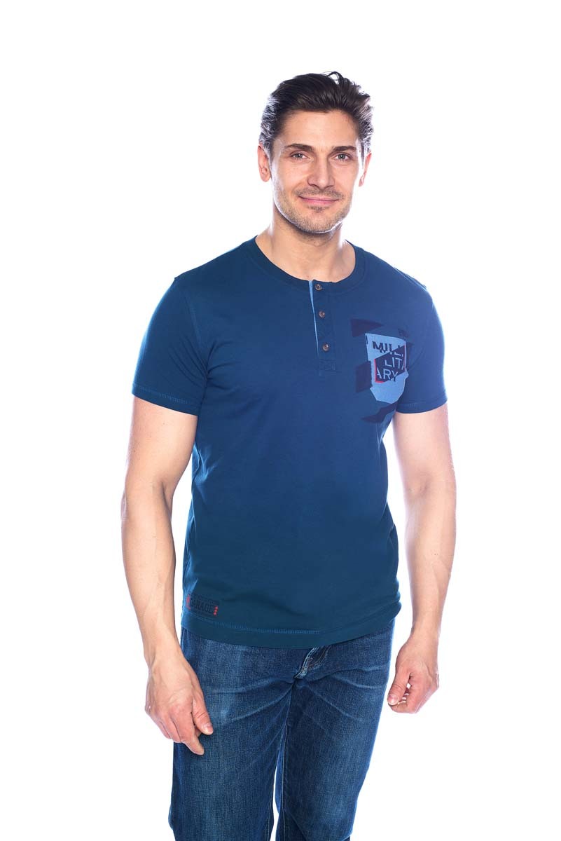 Футболка мужская BeGood, цвет: синий. SS17-BGUZ-008. Размер 48SS17-BGUZ-008Футболка BeGood изготовлена из качественного хлопка. У модели круглая горловина и планка с пуговицами на груди.