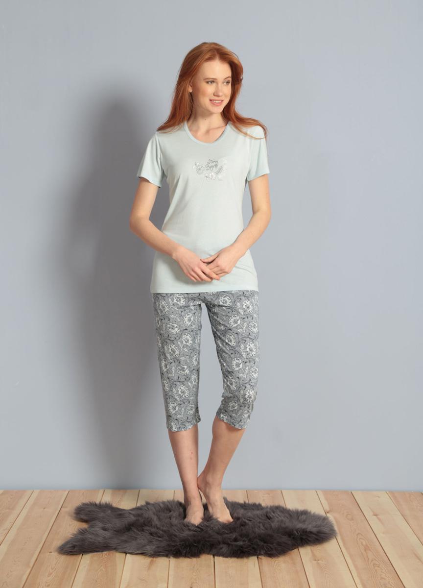 Домашний комплект женский Kezokino, цвет: голубой. 609091 1171. Размер S (44)609091 1171Домашний женский комплект, выполненный из 100% вискозы, состоит из футболки с круглым вырезом и короткими рукавами и капри.