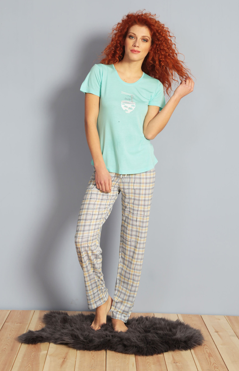 Домашний комплект женский Kezokino, цвет: бирюзовый. 610152 1250. Размер S (44)610152 1250Красивый комплект, выполненный из 100% вискозы, состоит из футболки и брюк приятной расцветки. Отличный вариант для дома и отдыха на каждый день.