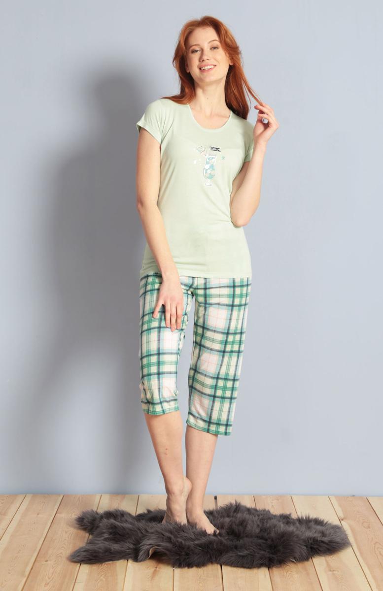 Домашний комплект женский Kezokino, цвет: ментоловый. 609094 1170. Размер XL (50)609094 1170Красивый комплект, выполненный из 100% вискозы, состоит из футболки и капри приятной расцветки. Отличный вариант для дома и отдыха на каждый день.