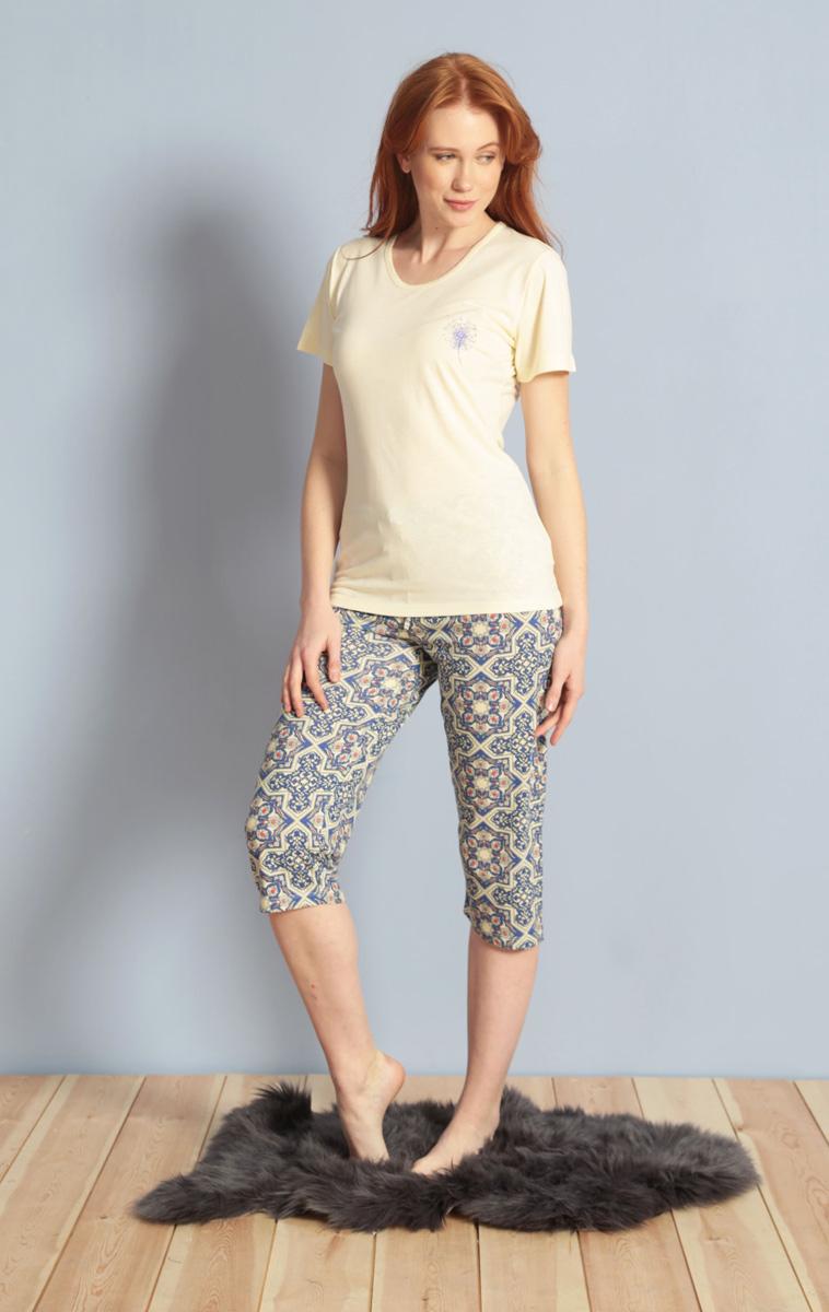 Домашний комплект женский Kezokino, цвет: экрю. 610174 0576. Размер L (48)610174 0576Красивый комплект, выполненный из 100% вискозы, состоит из футболки и капри приятной расцветки. Отличный вариант для дома и отдыха на каждый день.