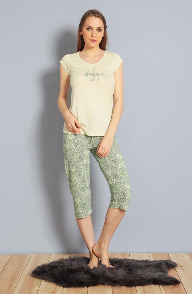 Домашний комплект женский Kezokino, цвет: светло-зеленый. 610159 0619. Размер L (48)610159 0619Красивый комплект, выполненный из 100% вискозы, состоит из футболки и капри приятной расцветки. Отличный вариант для дома и отдыха на каждый день.