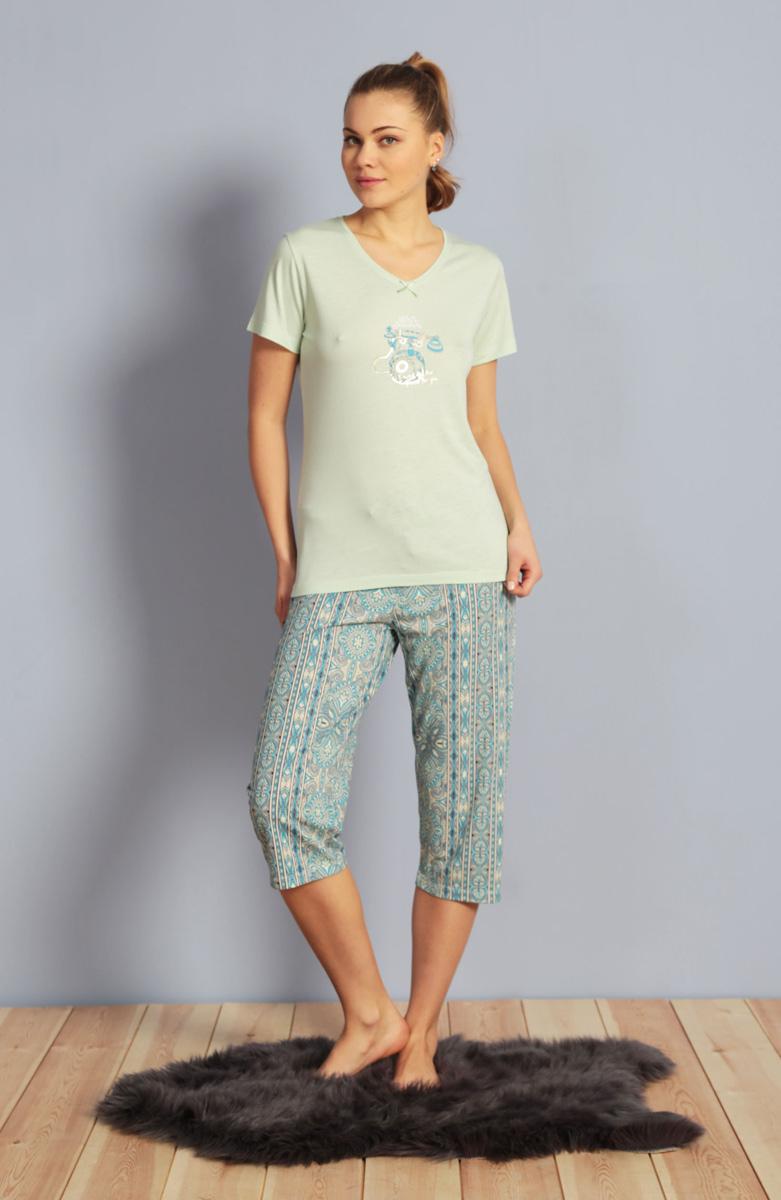 Домашний комплект женский Kezokino, цвет: салатовый. 610153 1349. Размер M (46)610153 1349Красивый комплект, выполненный из 100% вискозы, состоит из футболки и капри приятной расцветки. Отличный вариант для дома и отдыха на каждый день.