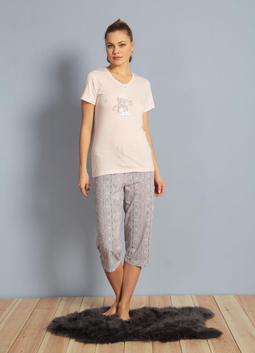 Домашний комплект женский Kezokino, цвет: розовый. 610153 1349. Размер L (48)610153 1349Красивый комплект, выполненный из 100% вискозы, состоит из футболки и капри приятной расцветки. Отличный вариант для дома и отдыха на каждый день.