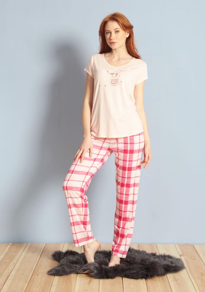 Домашний комплект женский Kezokino, цвет: розовый. 609108 1245. Размер XL (50)609108 1245Красивый комплект, выполненный из 100% вискозы, состоит из футболки и брюк приятной расцветки. Отличный вариант для дома и отдыха на каждый день.