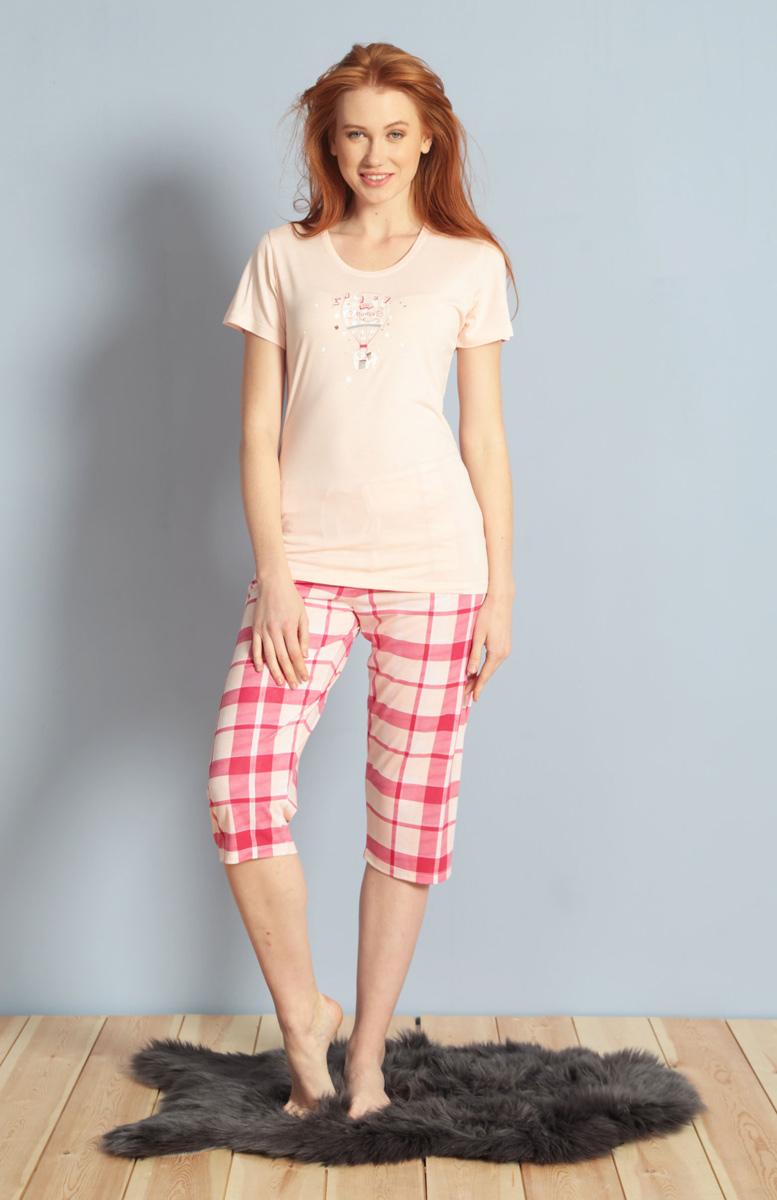 Домашний комплект женский Kezokino, цвет: розовый. 609106 1245. Размер S (44)609106 1245Красивый комплект, выполненный из 100% вискозы, состоит из футболки и капри приятной расцветки. Отличный вариант для дома и отдыха на каждый день.