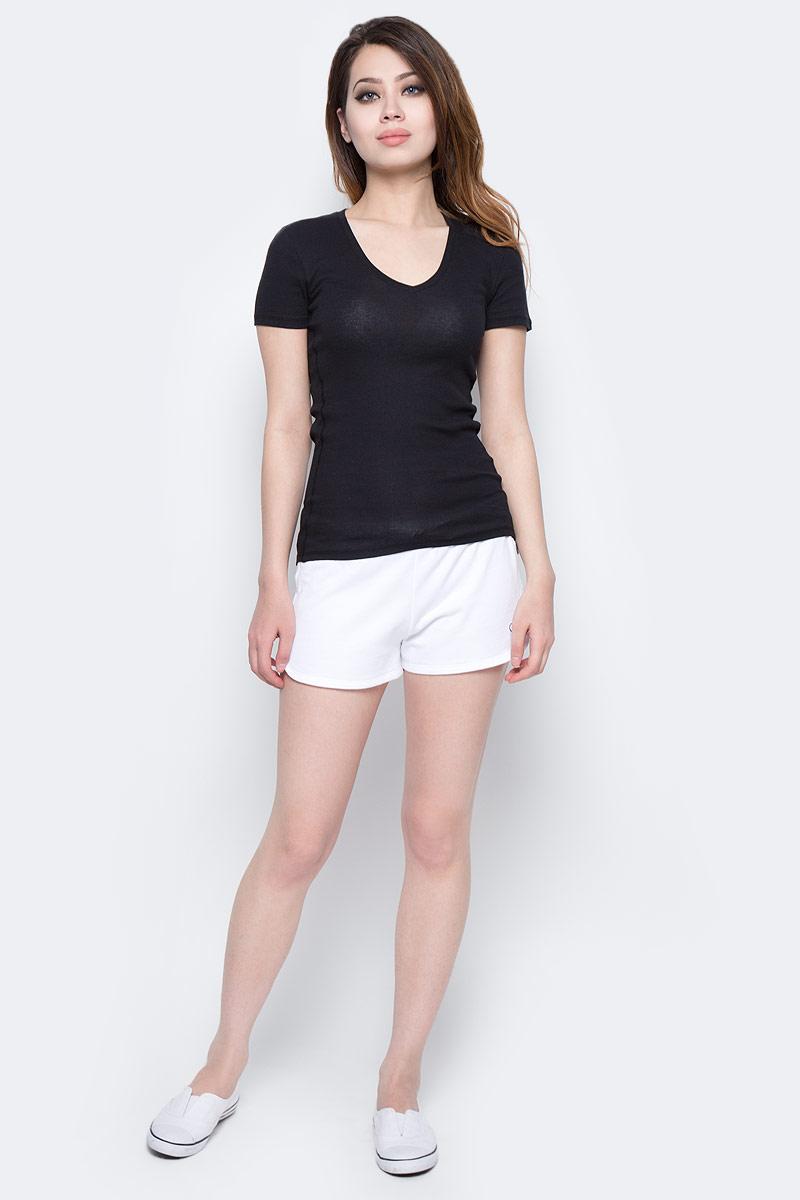 Шорты женские Calvin Klein Jeans, цвет: белый. KW0KW00133_100. Размер M (44/46)KW0KW00133_100Женские шорты Calvin Klein Jeans выполнены из натурального хлопка. Шорты имеют широкую эластичную резинку на поясе. Объем талии регулируется при помощи утягивающего шнурка. Модель оформлена логотипом бренда.